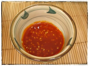 Sommerrollen Rezept - scharfe Sauce mit Sesam