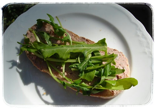 snack-krustenbaguette mit leberwurst rucola