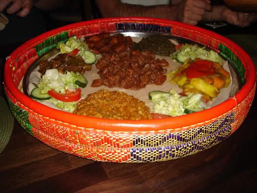 afrikanisch essen in frankfurt savanna. Black Bedroom Furniture Sets. Home Design Ideas