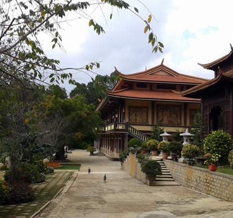 vietnamreise-dalat-tempel