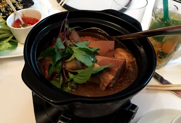 banyan-karamel-schweinefleisch