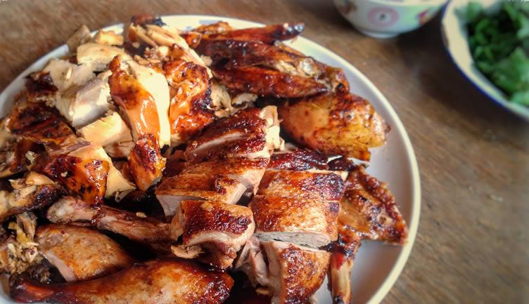 chinesisch-neujahr-essen-gegrilltes-huhn-ente