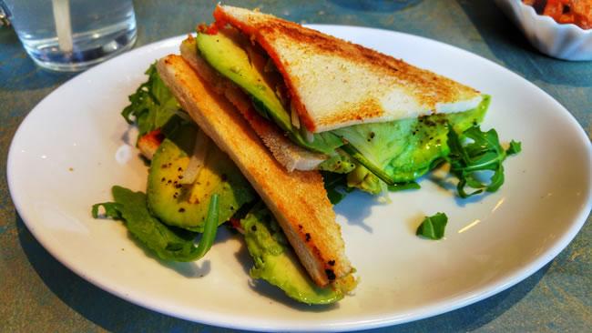 avocado-sandwich-55eleven-muenchen