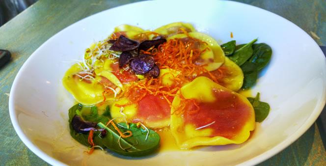 rote-bete-ravioli-55eleven-muenchen