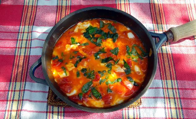 fruehstueck-vegetarisch-tomate-mozzarella